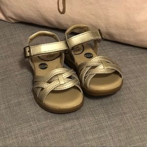 Stride Rite gold sandal New w/o box 5.5